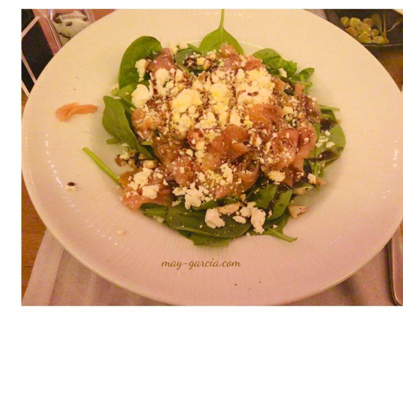 Ensalada de Espinacas con Salmón y queso